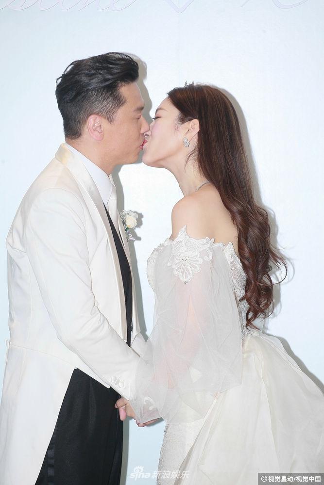 Hôn lễ ngọt ngào giữa Hoa hậu Trung Quốc và đại gia xấu xí bị ví như Người đẹp - quái vật đời thực-13