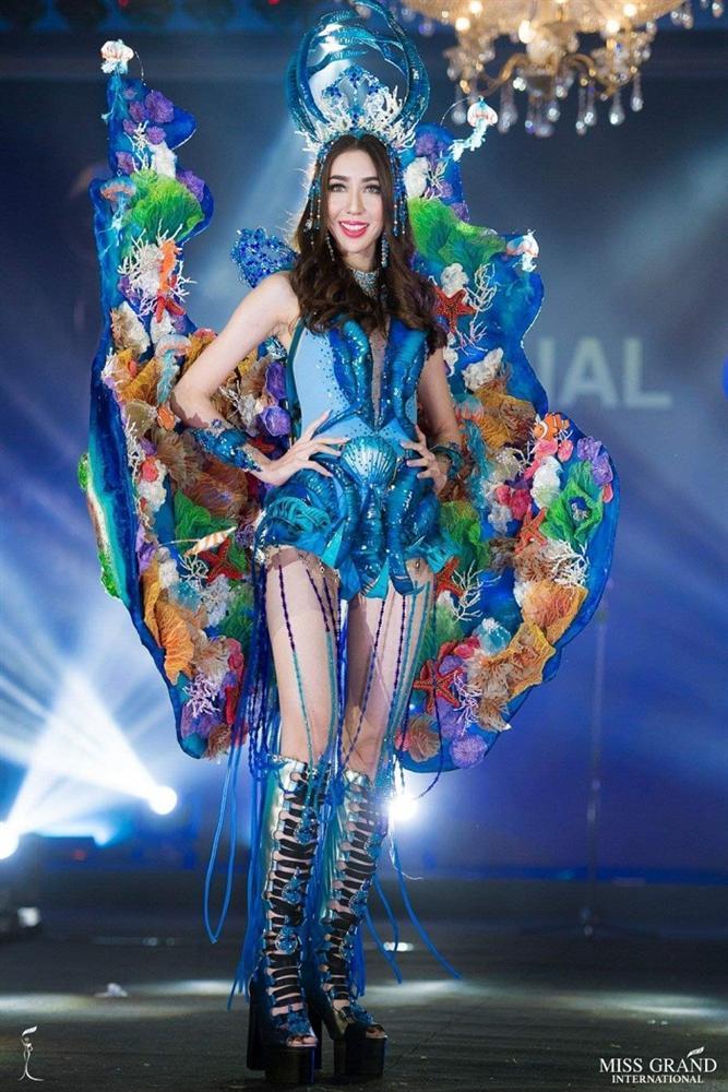 Lọt top 5 bình chọn, Áo dài của Bùi Phương Nga có cơ hội thắng giải quốc phục tại Miss Grand 2018-3