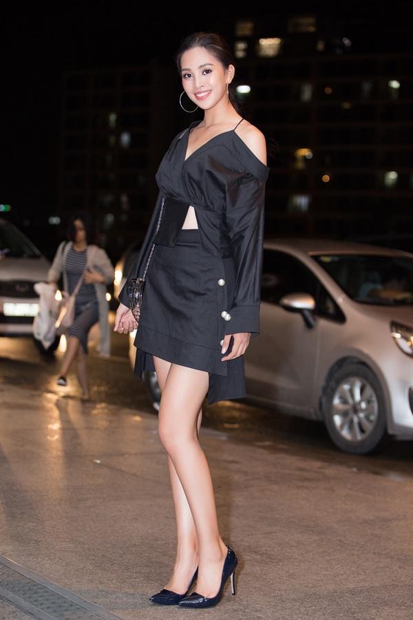 Nguyễn Thúc Thùy Tiên mang theo 110kg hành lý chinh chiến Miss International 2018-3