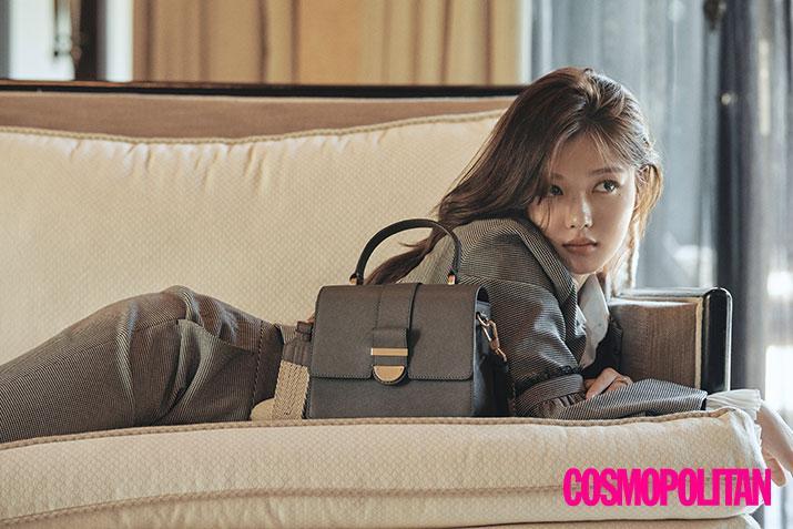 Sao nhí xinh đẹp nhất xứ Hàn Kim Yoo Jung quyến rũ bất ngờ trên tạp chí-1