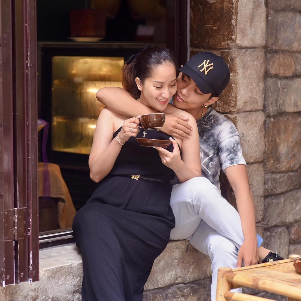 Có ai tin nổi đây là mẫu hậu của Angela Phương Trinh trong bức ảnh trẻ như bạn của con gái-8