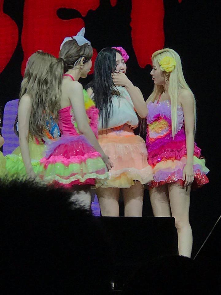 HOT: Joy (Red Velvet) nhập viện giữa concert tại Singapore vì chấn thương-2