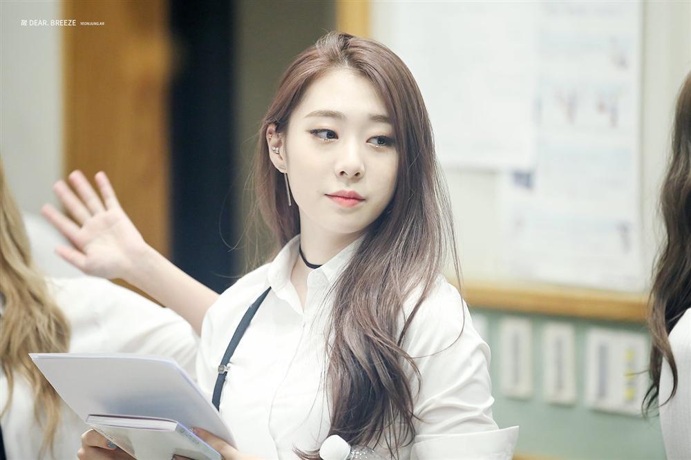 Hậu duệ mặt trời Kim Ji Won chia sẻ hình ảnh giản dị ngày sinh nhật-6