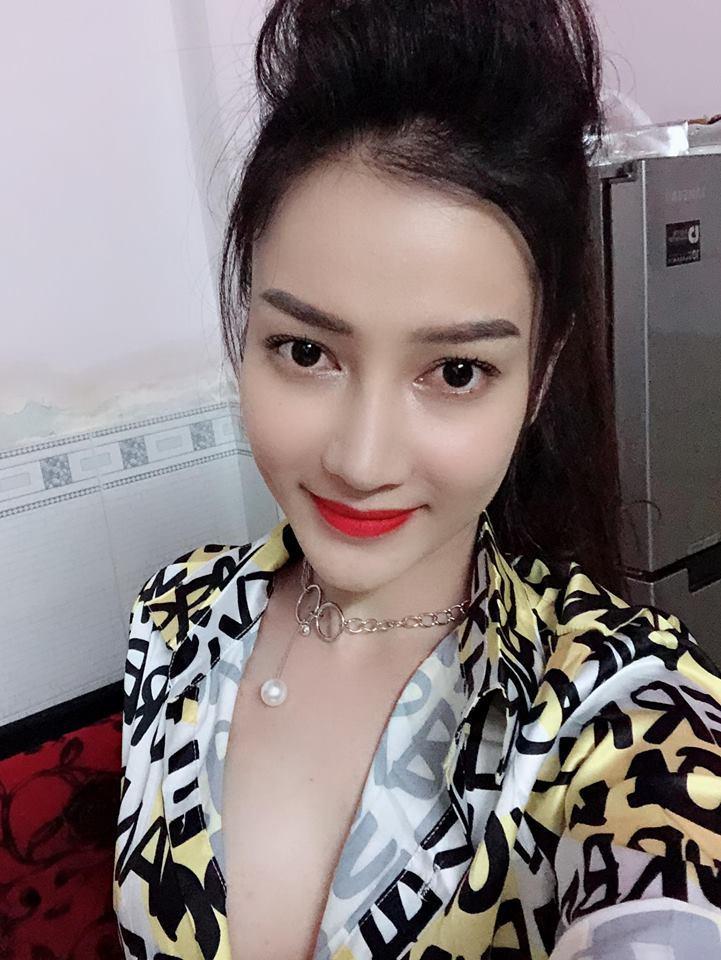 Bạn gái Hồ Việt Trung: Hạn chế hở hang dù ít khi bị bạn trai nhắc nhở-2