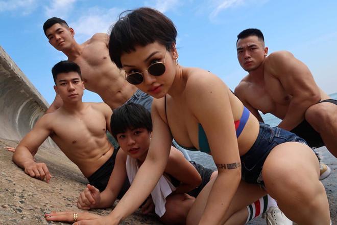 Bạn trai mới của Miu Lê là HLV thể hình điển trai, body 6 múi?-6