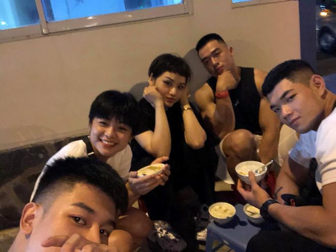 Bạn trai mới của Miu Lê là HLV thể hình điển trai, body 6 múi?-7