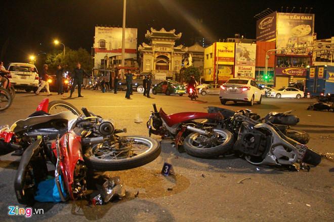 2 nạn nhân nguy kịch sau vụ nữ tài xế lái BMW tông liên hoàn ở Sài Gòn-1