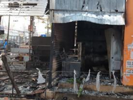 Đắk Lắk: 2 cô gái chết ngạt trong cửa hàng hoa bị thiêu rụi