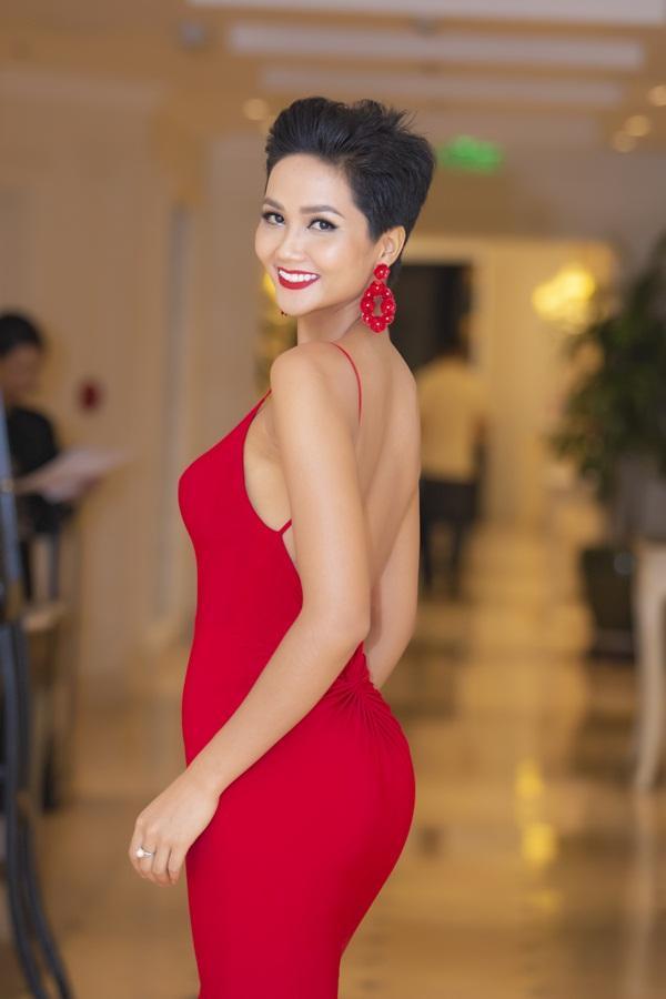 Hoa hậu HHen Niê: Tôi không loay hoay mà đang tự trải nghiệm để tìm vẻ đẹp phù hợp nhất-1