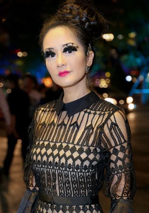 Dù có thích trở thành QUEEN of Halloween cũng đừng phạm sai lầm make up như Hồ Ngọc Hà, Diva Hồng Nhung-1