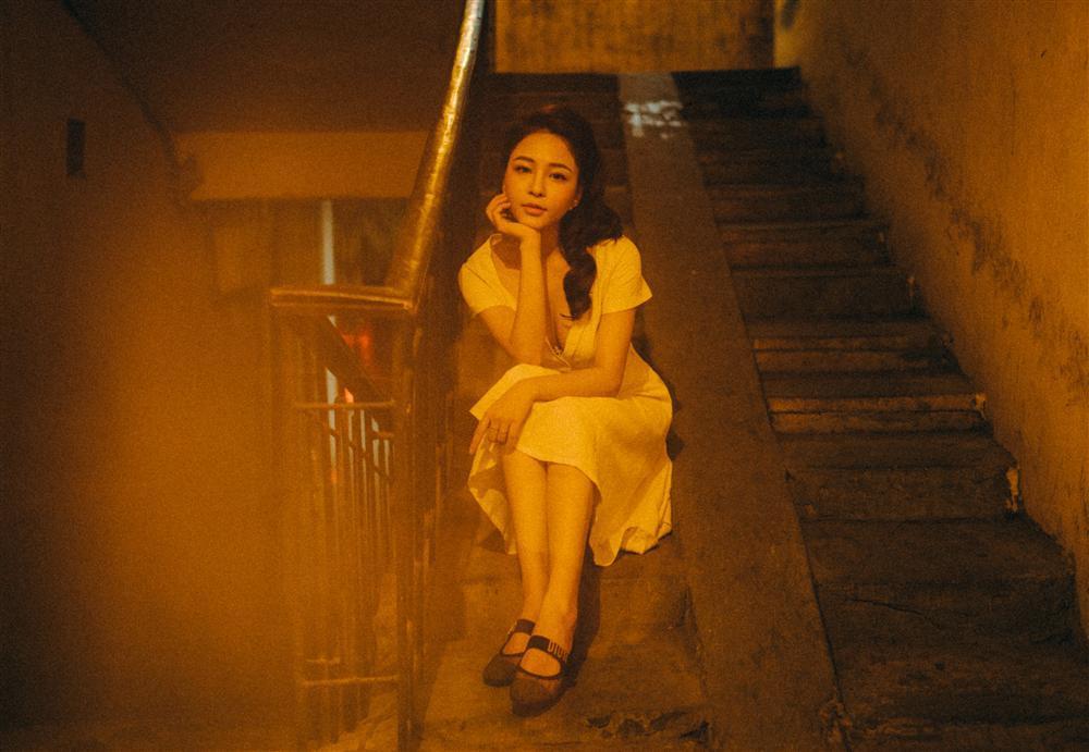 Lột xác ngày càng sexy, hotgirl Trâm Anh lần đầu tiết lộ thường được mời đi khách với giá ngất ngưởng-1