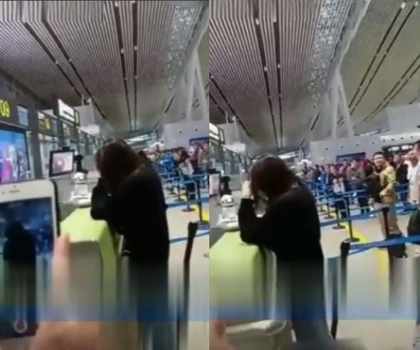 Địch Lệ Nhiệt Ba bật khóc giữa sân bay vì suy sụp sau những chỉ trích giải Thị hậu Kim Ưng ?-3