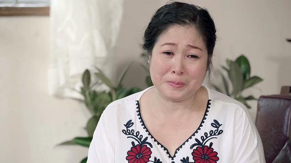 Gạo nếp gạo tẻ tập 73: Bà Mai khóc hết nước mắt tha thiết cầu xin Kiệt đừng ly hôn Hân-3