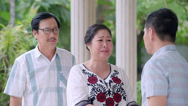 Gạo nếp gạo tẻ tập 73: Bà Mai khóc hết nước mắt tha thiết cầu xin Kiệt đừng ly hôn Hân-5