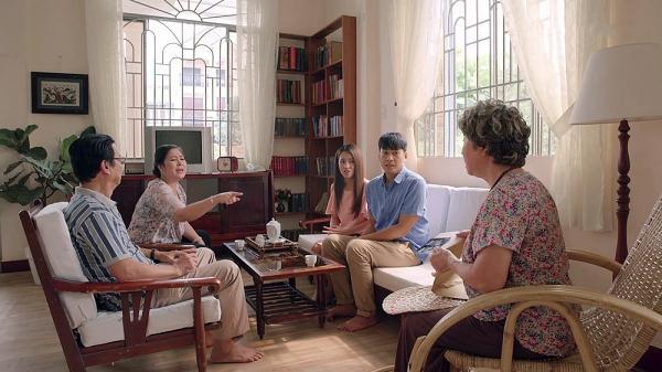 Gạo nếp gạo tẻ tập 73: Bà Mai khóc hết nước mắt tha thiết cầu xin Kiệt đừng ly hôn Hân-12