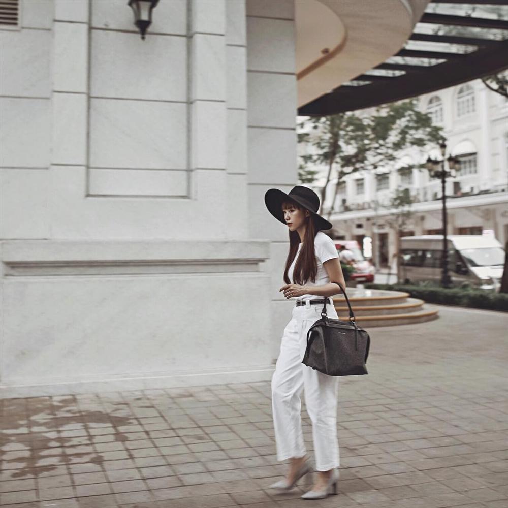 Gil Lê - Phí Phương Anh khoe streetwear cực chất ở SFW - Thúy Vi vẫn trung thành với style phô da thịt-8