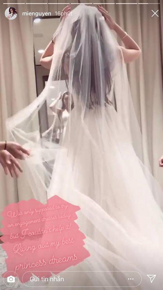 Hotgirl Mie Nguyễn khoe ảnh váy cưới sau gần một tháng được cầu hôn-2