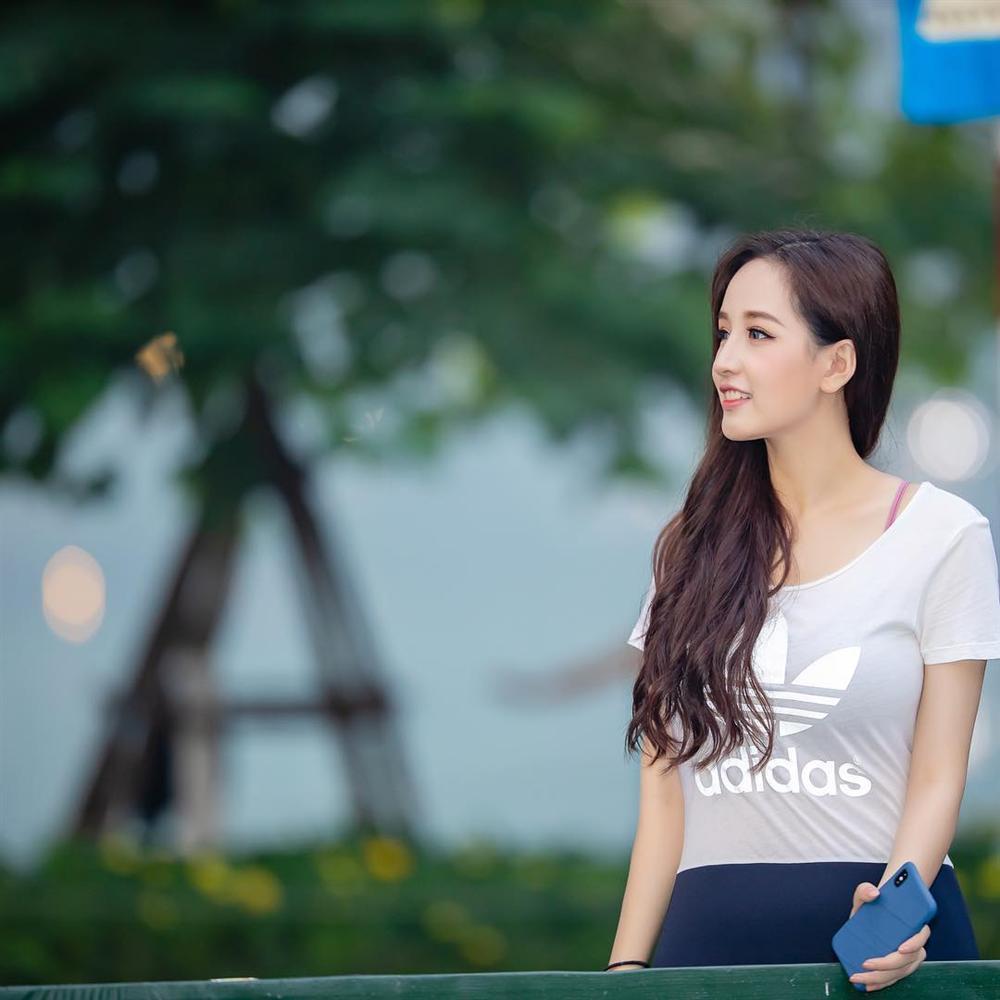 Linh Chi lột bỏ váy áo, chỉ mặc nội y phô diễn hình thể làm nóng mắt người xem-8