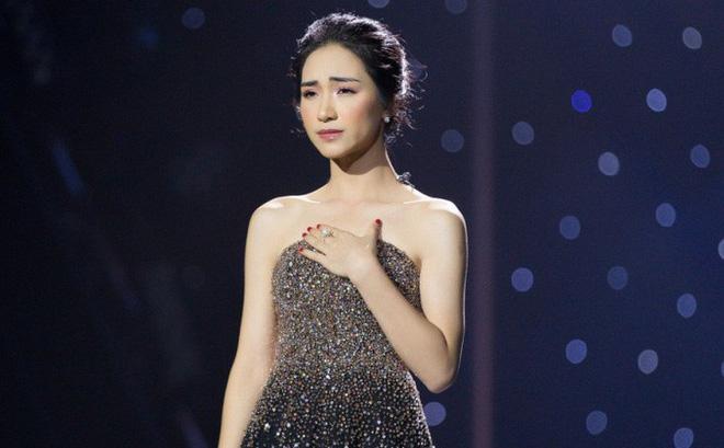 Hòa Minzy lên tiếng về clip mặt lạnh tanh nhìn trưởng FC quát tháo fan như mẹ thiên hạ-3