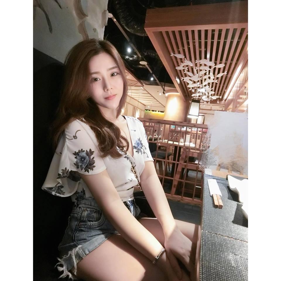 Nổi tiếng xinh đẹp là thế, em gái hotgirl của Ông Cao Thắng bị nghi bơm môi, nhấn mí-8