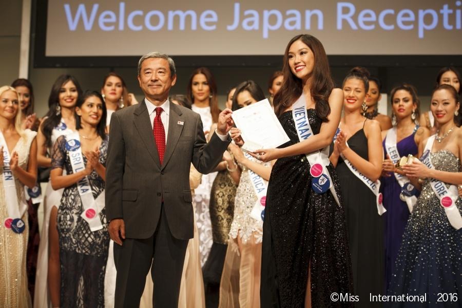 Khán giả Việt thở phào khi Thùy Tiên trượt giải phụ bị coi là điềm báo xui tận mạng tại Hoa hậu Quốc tế 2018-4