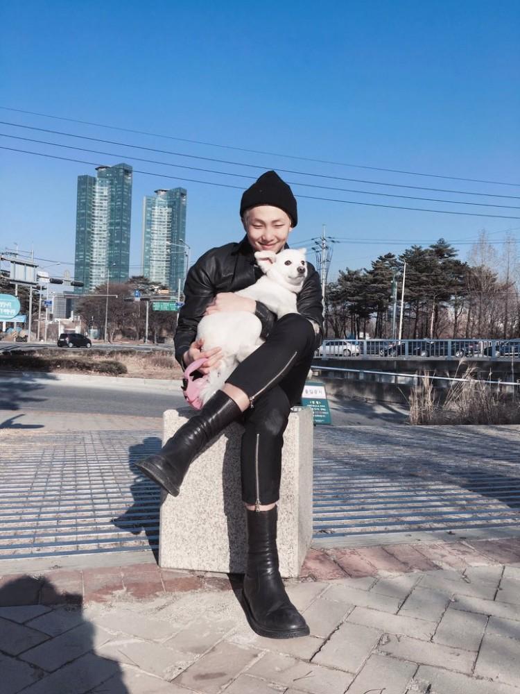 Không ồn ào quảng bá: Album solo của RM (BTS) vẫn ung dung dẫn đầu BXH Itunes 86 quốc gia-3