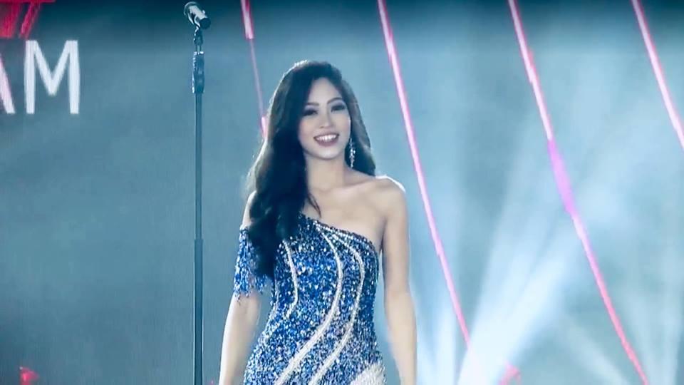 Bùi Phương Nga xử lý cực gọn pha xoay người chông chênh trong đêm bán kết Miss Grand 2018-3