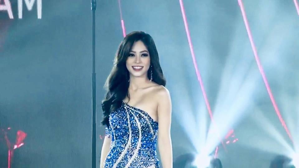 Bùi Phương Nga xử lý cực gọn pha xoay người chông chênh trong đêm bán kết Miss Grand 2018-2