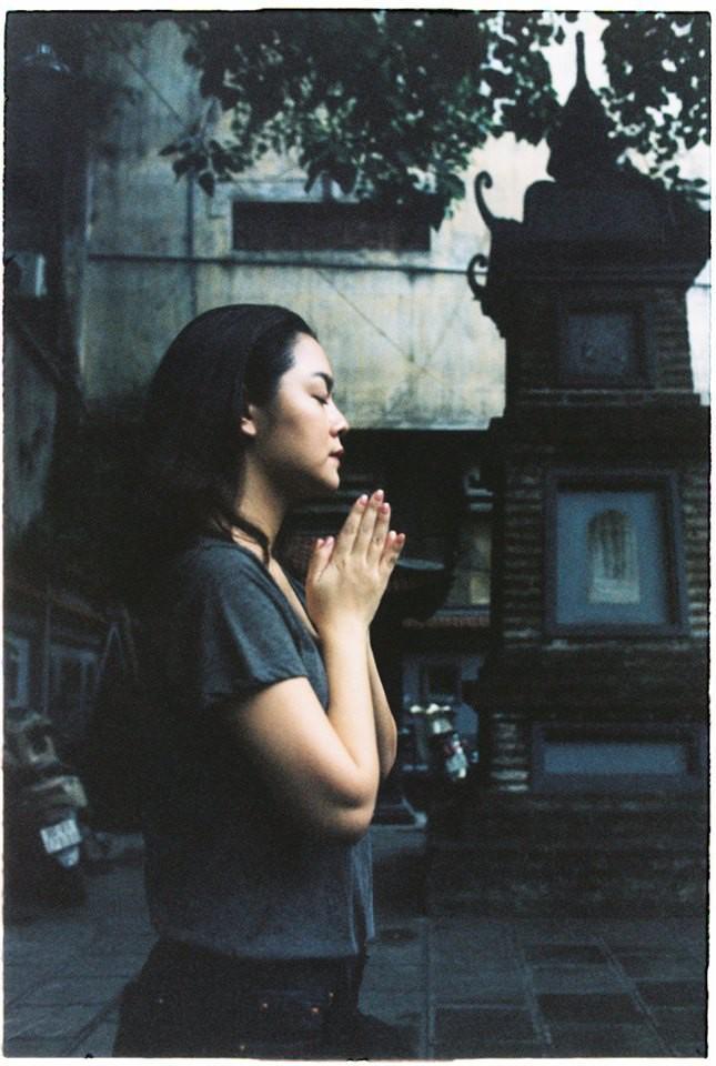 Phạm Quỳnh Anh xuất hiện an nhiên, bình tâm đi chùa sau khi Quang Huy công khai đệ đơn ly hôn-3