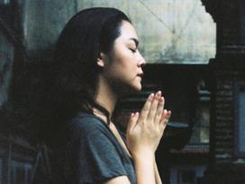 Phạm Quỳnh Anh xuất hiện an nhiên, bình tâm đi chùa sau khi Quang Huy công khai đệ đơn ly hôn
