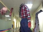 Mừng Halloween, học sinh biến trường lớp thành nơi 'kinh dị' không ai dám đi sớm về muộn