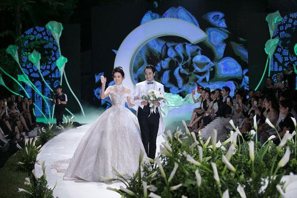Mãn nhãn với show váy cưới của NTK Phương Linh-3