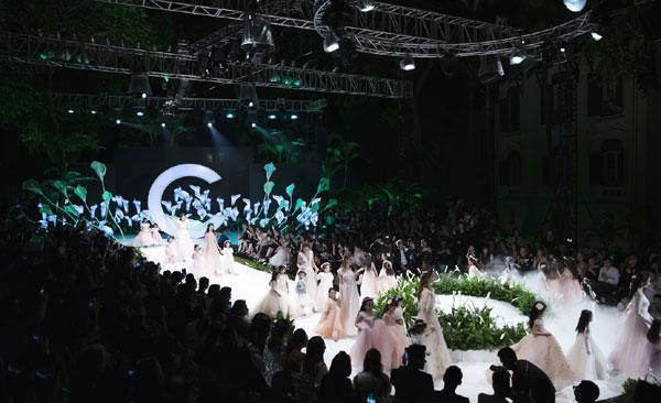 Mãn nhãn với show váy cưới của NTK Phương Linh-5