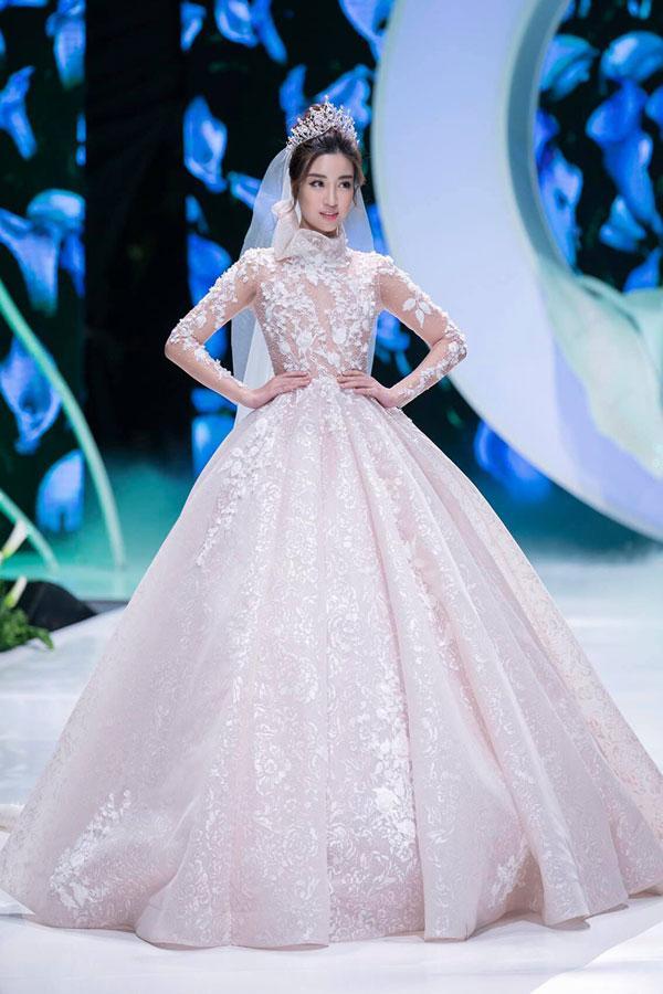 Mãn nhãn với show váy cưới của NTK Phương Linh-6