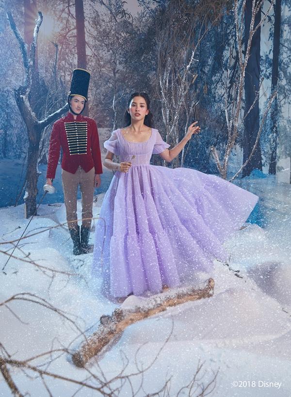 Hoa hậu Tiểu Vy hóa công chúa kiêu sa trong bom tấn mới của Disney-3