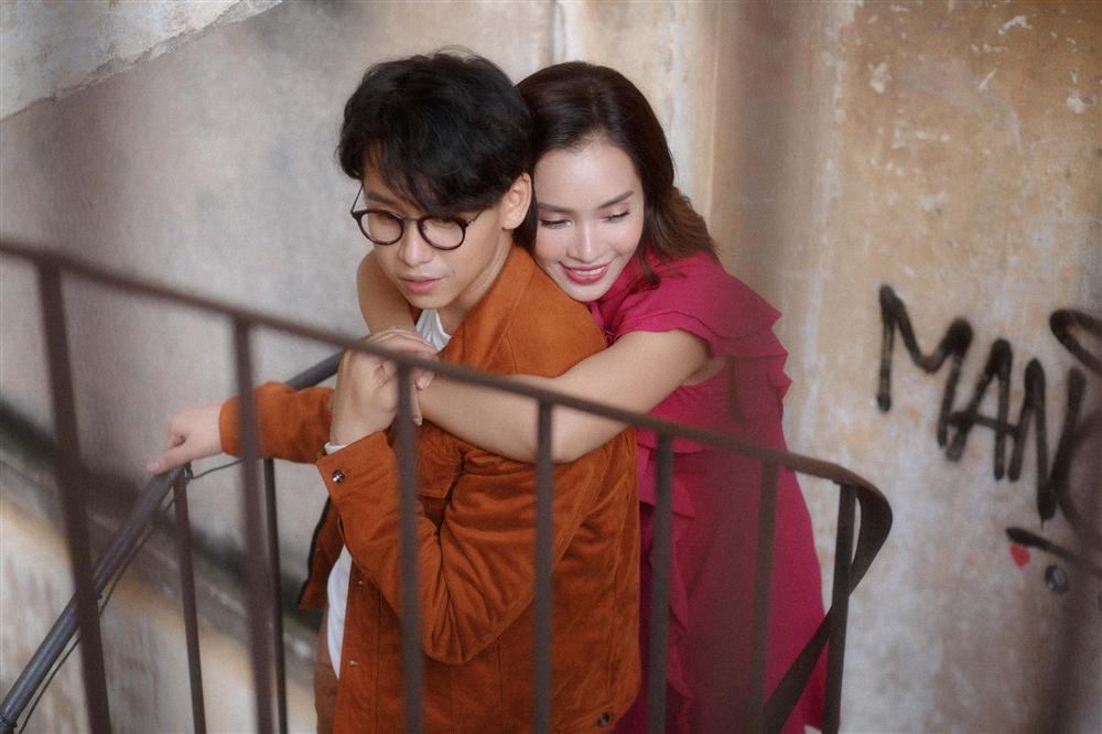 Câu chuyện tình yêu đầy nước mắt của Ái Phương và Quang Bảo khiến Trung Quân Idol, MC Hoàng Oanh nhói tim-1