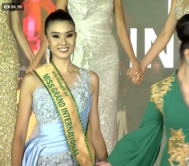Được xướng tên cho ngôi hoa hậu, mỹ nữ Paraguay lăn đùng bất tỉnh nhân sự-10