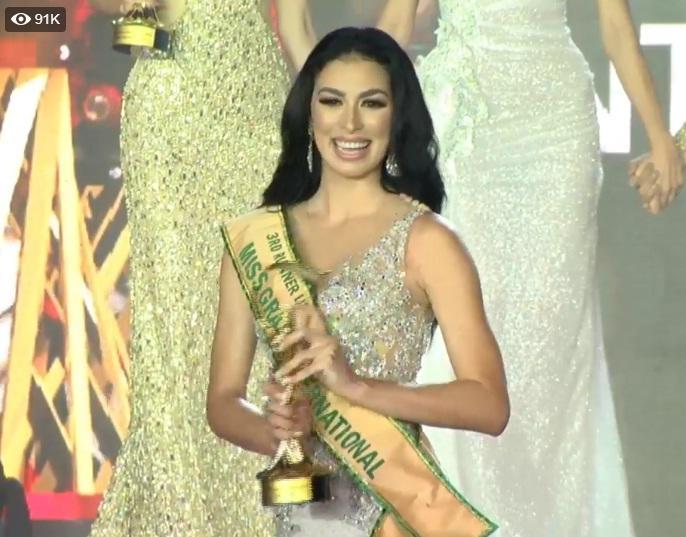 Được xướng tên cho ngôi hoa hậu, mỹ nữ Paraguay lăn đùng bất tỉnh nhân sự-9