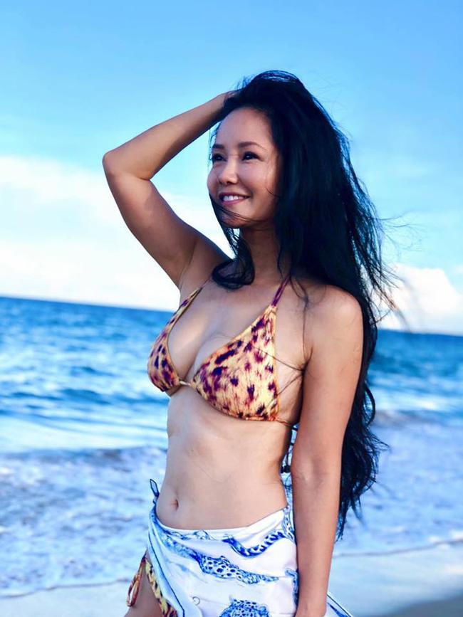 Diva Hồng Nhung U50 vẫn diện bikini khoe dáng nuột nà - Hà Tăng mang giầy há mõm mà sao thần thái đến thế-1