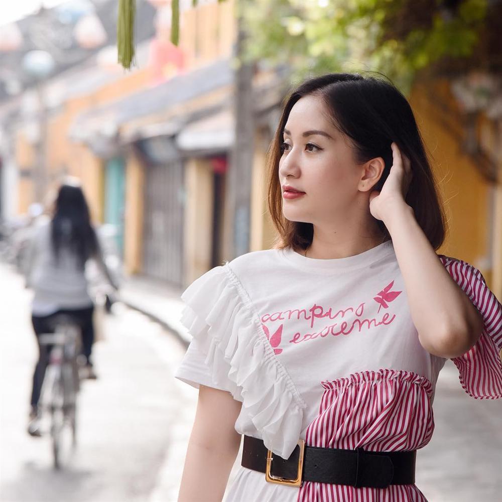 Thu Minh khoe khoảnh khắc tều môi vì ăn mỳ cay-7
