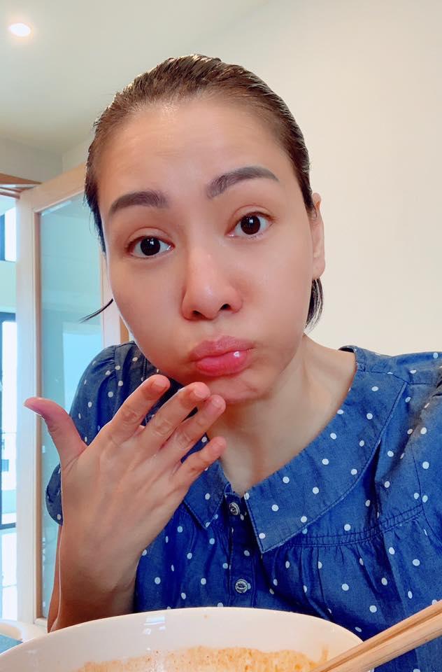 Thu Minh khoe khoảnh khắc tều môi vì ăn mỳ cay-2