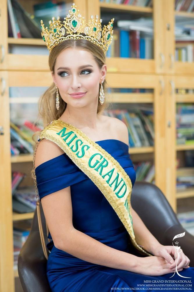 6 Hoa hậu Hòa bình Quốc tế trong lịch sử: Ai là người sở hữu nhan sắc đỉnh cao nhất?-8