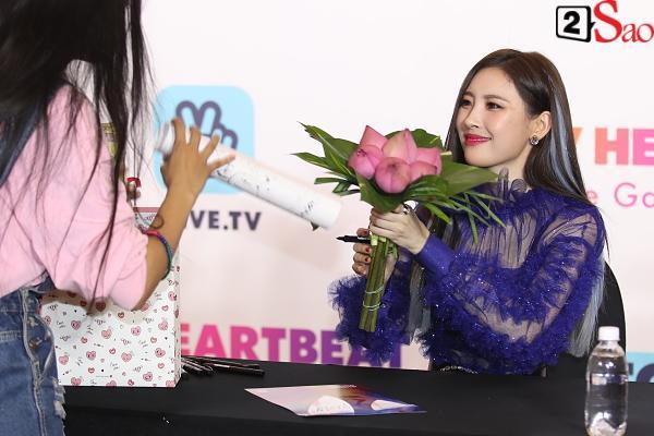 Gei chúa Sunmi quyến rũ hết nấc, SEVENTEEN như những vị thần trong đêm nhạc Việt Hàn-11