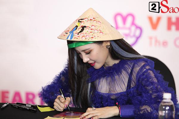 Gei chúa Sunmi quyến rũ hết nấc, SEVENTEEN như những vị thần trong đêm nhạc Việt Hàn-12