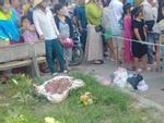 Bình Dương: Thi thể trẻ sơ sinh bị nhét giấy vứt ở ven đường