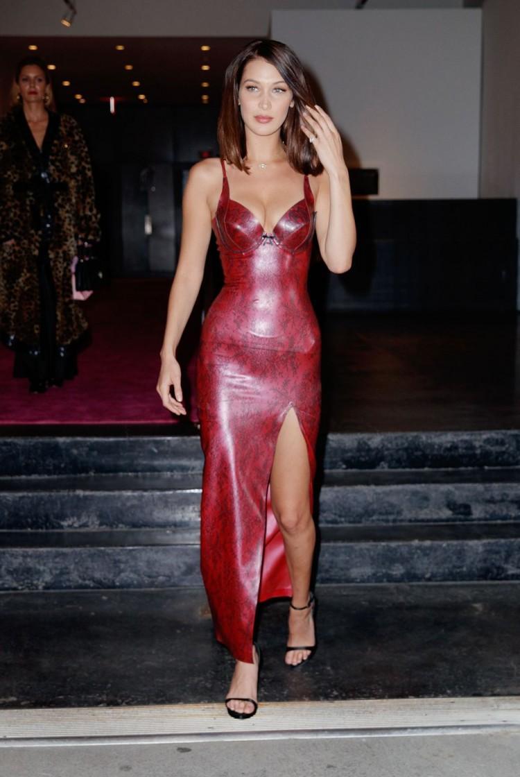 Chân dài triệu đô Hollywood Bella Hadid sở hữu phong cách thời trang không thể chê điểm nào-15