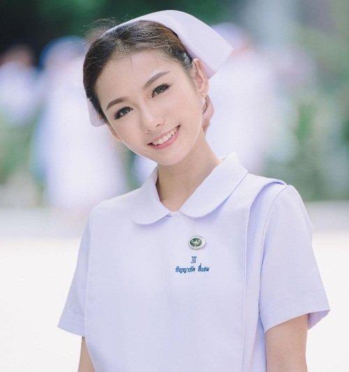 Vì quá nổi tiếng, nữ y tá xinh đẹp nhất Thái Lan bị sa thải-2