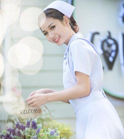 Vì quá nổi tiếng, nữ y tá xinh đẹp nhất Thái Lan bị sa thải-4