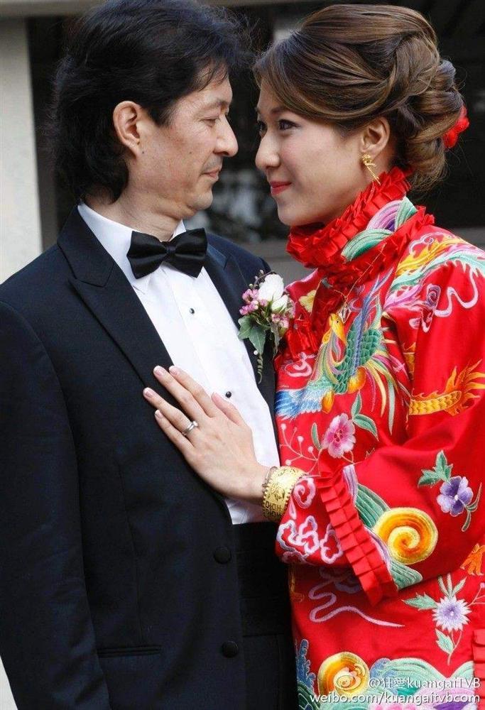 Trang phục cưới truyền thống của mỹ nhân Hoa ngữ: Angela Baby siêu đắt đỏ, Lưu Thi Thi cầu kì tỉ mỉ-5