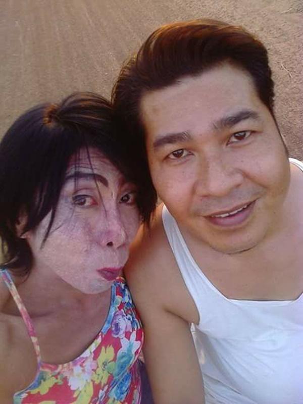 Gái già chuyển giới hot nhất Thái Lan khiến người xem cạn lời khi khoe cảnh uốn éo hôn tình trẻ trong ngày sinh nhật-7